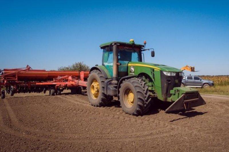 Готовим трактор John Deere к посевному сезону
